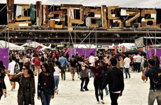 Fonctionner en réseau ou diversifier ses activités, quelles sont les stratégies des producteurs de festivals ?