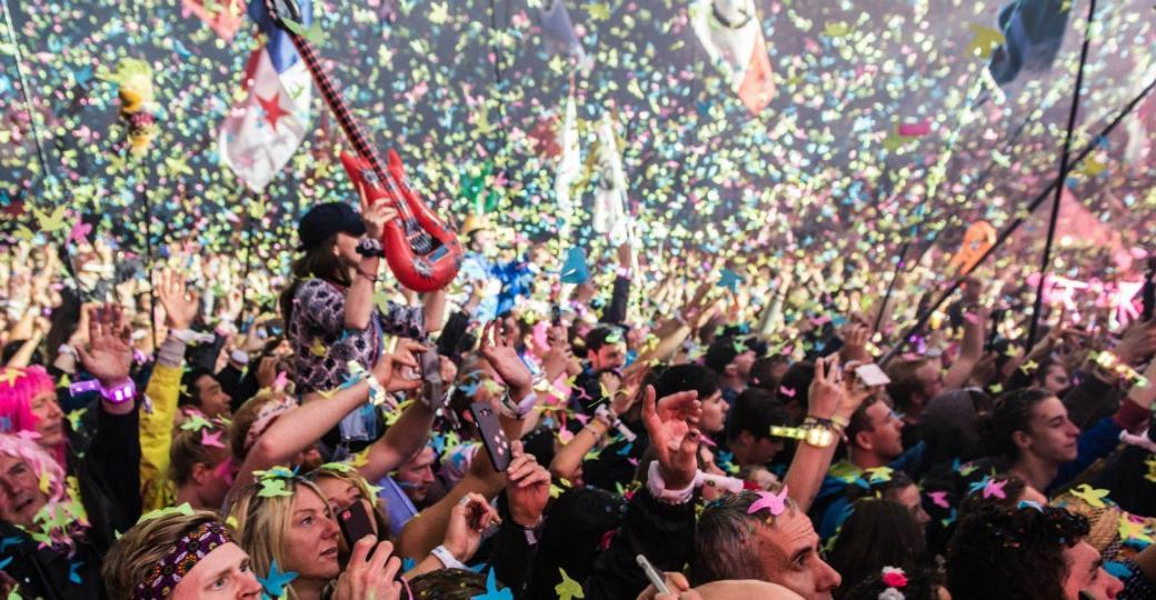 Glastonbury, Bilbao BBK et The Kooks : les annonces des festivals internationaux