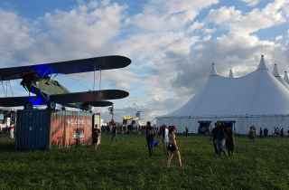 Download Festival France, ambiance pogos sur la base aérienne