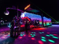 Comment suivre le weekend au Burning Man sans manger de la poussière ?