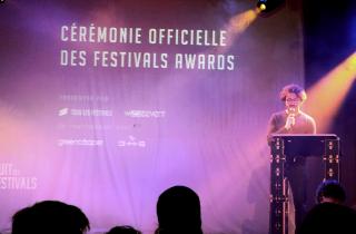 Nuit Des Festivals : trophées, blagues et anecdotes au Divan Du Monde