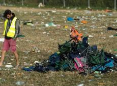 Non, vos tentes abandonnées en festival ne sont pas redistribuées aux ONG